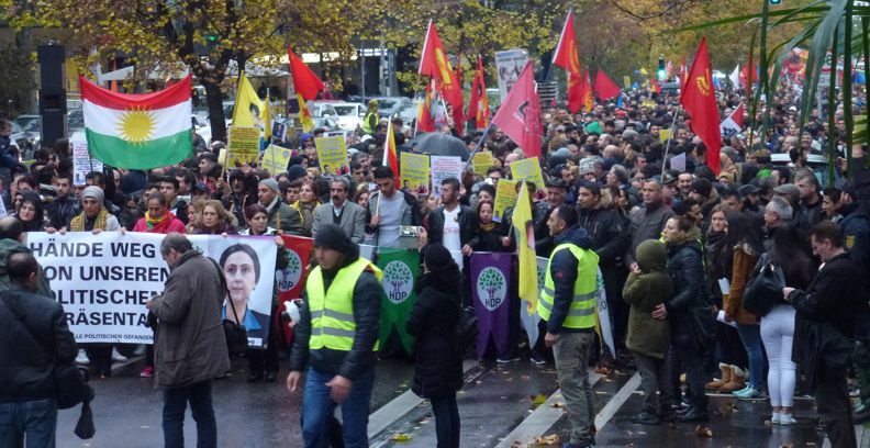 Stuttgart, 5.11.16: Demonstration gegen Erdogan-Diktatur